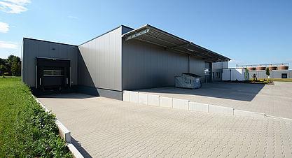 Neubau Produktions- und Lagerhalle mit Bürogebäude - Anlieferung Stahlhalle