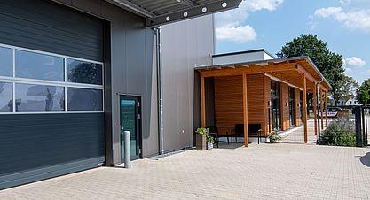 Neubau einer Lagerhalle mit Austellung