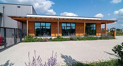 Neubau einer Lagerhalle mit Austellung - Bürogebäude