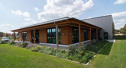 Neubau einer Lagerhalle mit Austellung - Ausstellung / Lagerhalle