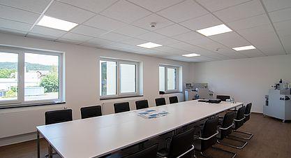 Neubau einer Lagerhalle nach Bundes-Immisionsschutzgesetz (BImSchG) - Besprechungsraum groß