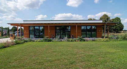 Neubau einer Lagerhalle mit Austellung - Austellung
